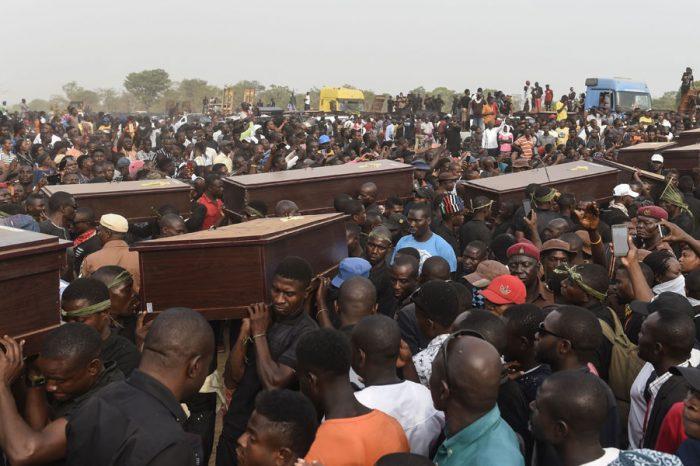 Nigeria: một nhà thờ bị đốt, ít nhất 32 tín hữu bị giết trong liên tiếp 3 cuộc tấn công
