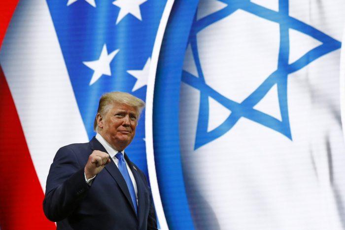 Tổng thống D. Trump được đề cử giải Nobel Hòa bình 2021
