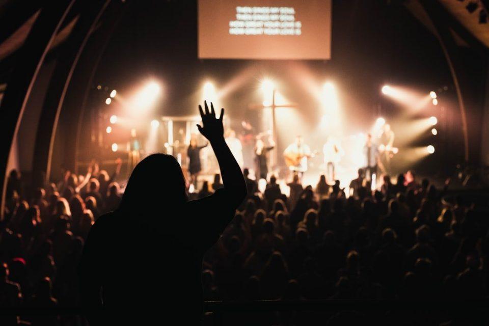 Hãy thờ phượng Ngài!